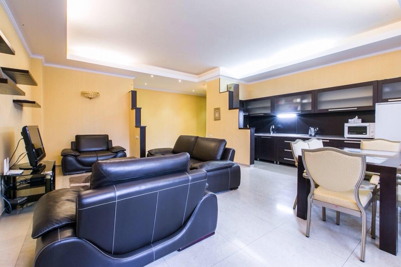 Daily apartment for rent at Simon Chikovani street
